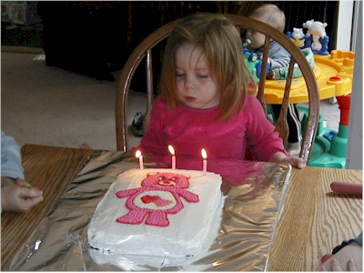 emma3_cake.jpg